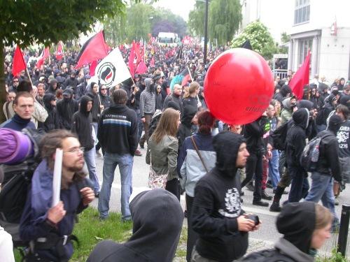 black-bloc
